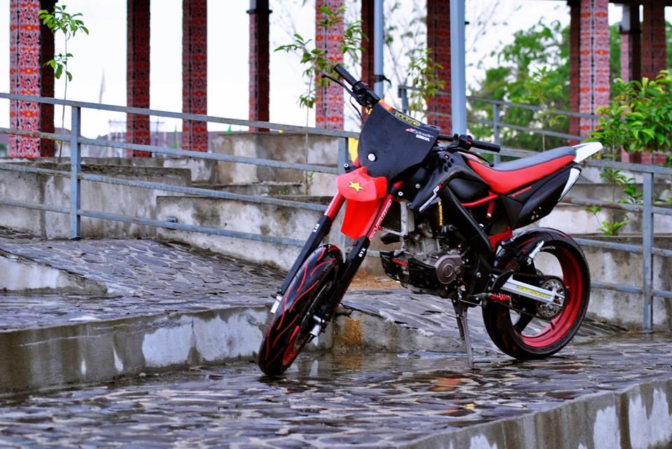 Modifikasi Yamaha Vixion 2007 Supermoto